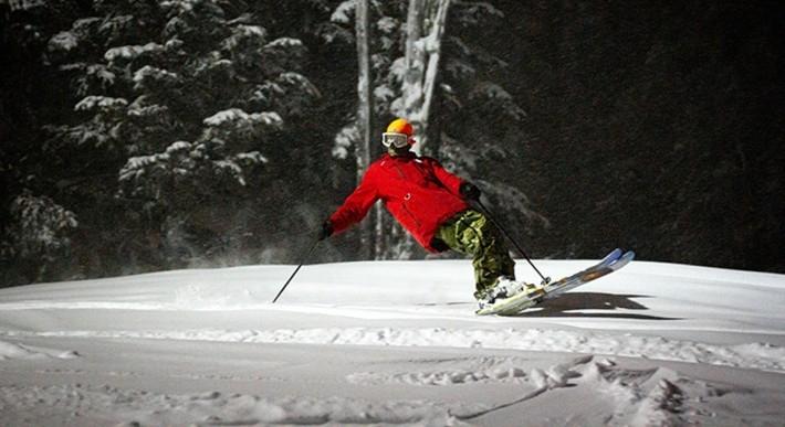 TIMBERLINE NIGHT SKIING AND SNOWBOARDING